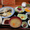 おさかな処 さわ - 料理写真:刺身、しまあじのカマ焼きセット1,500円也