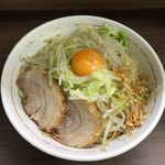 59825004 - 161206小ラーメン(豚2枚)690円+汁なし80円麺少なめ野菜ニンニク