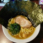 伝家 - ラーメン650円麺硬め。海苔増し100円。