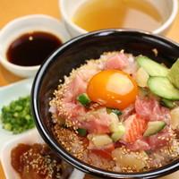 海鮮ネギトロ丼