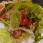 鶏料理 ひとりひとり 離れ - トマトづくしサラダ
