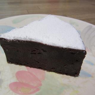 デザート倶楽部 - 料理写真:ザッハトルテ 側面写真
