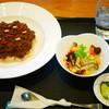 旬穀旬菜カフェ - 料理写真:黒の薬膳ドライカレー¥1080
