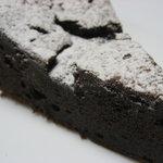 里菜 - チョコレートケーキ
