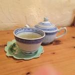 モノカフェ ワヲン - ハス茶