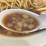 59902300 - 見た目よりクリアな醤油スープ