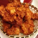 ニイハオ 恵馨閣 - 鶏の唐揚げ  ¥750  ちょっとクセのある味付けですが、肉質はいいですね。