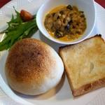 オオナミ - ロールパンと角食で朝食