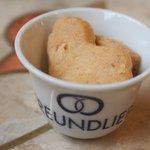 カフェ フロインドリーブ - おまけのクッキー