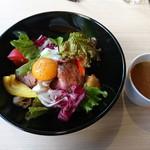 フレンチ肉バル ハルマン - ローストビーフ丼