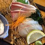 漁師料理 かつら亭 - 刺身です。