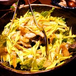 59923027 - 揚げ牛蒡と黄菊のサラダ 白ポン酢                                              菊の色味が美しく、揚げごぼうがいい感じでした。美味しかった!