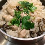 旬魚処 海蔵 - 牡蠣の釜飯 やはりこちらの釜飯は絶品です(^ ^)