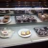 銀のしっぽ - 料理写真:ショーケース!焼きドーナツが揃ってました!