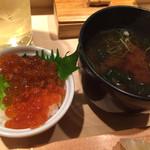 築地虎杖 - ミニいくら丼&味噌汁