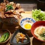 炉端のぬる燗 佐藤 - 豚丼・大 セット