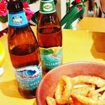 クアアイナ - コナビールとフライドポテト&オニオンセット 600円台!はナイス