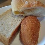 ベーカリーレストランSOLA - パンビュッフェのパンは種類も豊富で美味しいです♪