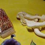 ステーキ花郷 - 焼く前の『鯛』と『しめじ』の食材~♪(^o^)丿