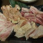 塊ゆゑに。 - 松阪牛・豚・鶏 盛り三点盛り