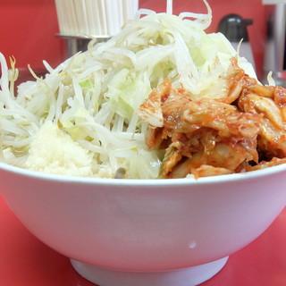 ラーメン二郎 - 料理写真:小ラーメン+野菜ニンニク+キムチ