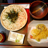 近江家 - 料理写真:季節の天付ざるそば(並)