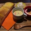 サクラ屋珈琲店 - 料理写真:モーニングセット:ドリンクに無料