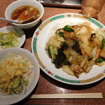 タケちゃん - 五目うま煮ご飯 ¥830-