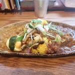 ガネーシュ m - 赤穂坂越産 スパイス牡蠣のカレーとレンズ豆と野菜のカレー