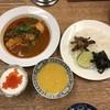 しゃけスタンド - 料理写真:カレー(辛口)& いくら入りヨーグルト