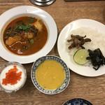 しゃけスタンド - カレー(辛口)& いくら入りヨーグルト