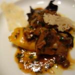 リストランテ プリマヴェーラ - 2種のチーズのラビオリ、北海道産子羊の煮込み