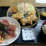 魚八 - 鶏唐揚げ+マグロ漬け丼セット 735円