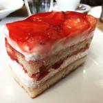 スーリィ・ラ・セーヌ - イチゴのショートケーキ   フルーティーで絶品❤️
