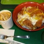 ラッキーピエロ - カツ丼とラキポテ