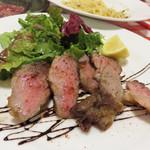 イタリア食堂 キャリー - お肉料理。 ボリュームもあって、とっても美味しかったです。
