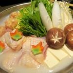 60166766 - 佐賀県みつせ鶏のつくねと比内地鶏の白湯風水炊き鍋