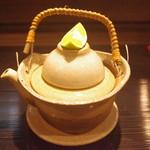 地鳥料理 万徳 別亭 安東 - 秋限定松茸の土瓶蒸し