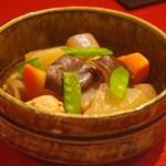 地鳥料理 万徳 別亭 安東 - ほくほく地鶏団子の筑前煮