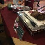 Y'sバイキングレストラン - 日替わりサービスはローストビーフ