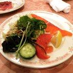 ヨーロピアンダイニング バッカスのへそ - スモークサーモンと野菜(バイキング)
