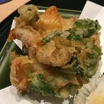 おたる政寿司 - ホッキ貝ヒモのかき揚げ