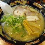 麺屋ラ賊 - ラーメン 550円。