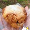 ウルーウール - 料理写真:クロワッサンのクリームサンドしたの、、名前失念 (ノ_<)。