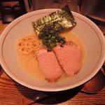 60198974 - 【濃厚魚介そば・元味】822円 麺:並盛