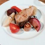 フランス食堂 LA CARAPACE - 寒ブリのポワレと野菜のロースト