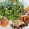 カンパーニャ - 料理写真:セットのサラダ、パン、アンティパスト。 どれも美味しい。 パンは甘味があった。