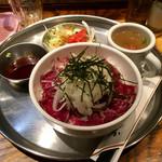 60231694 - 「レアステーキ丼」680円