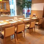 カウンターお野菜天ぷら mego - テーブル席