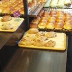 パンのトラ - 店内